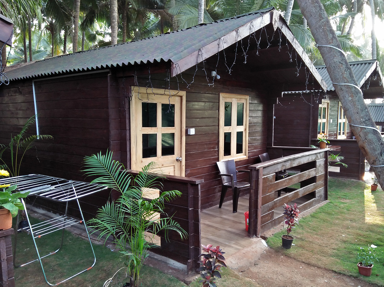 Cheap huts in north Goa